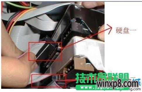 xp系统电脑开机黑屏找不到硬盘,如何处理xp系统电脑开机黑屏找不到硬盘